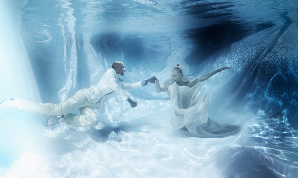 «Bruce on Ice»   160cm x 95cm   © Gaby Fey