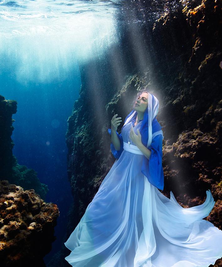 «Maria von Lourdes» | 150cm x 180cm | © Gaby Fey