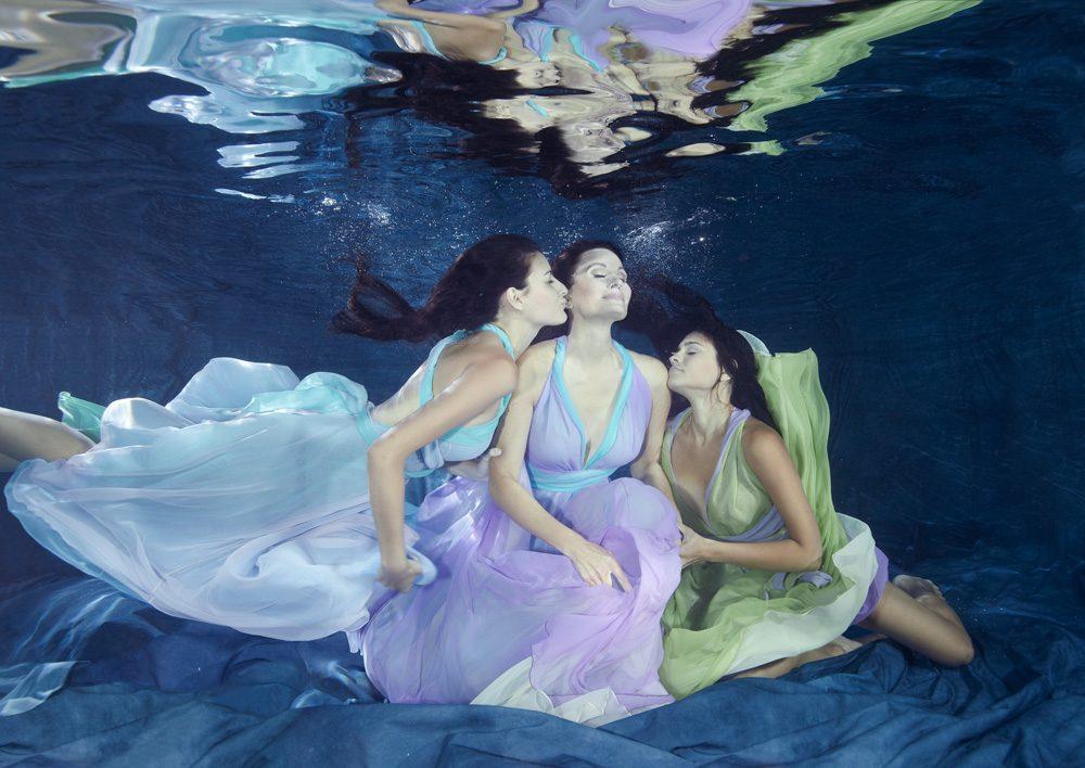 «Monaco Mermaids» | 120cm x 85cm | © Gaby Fey